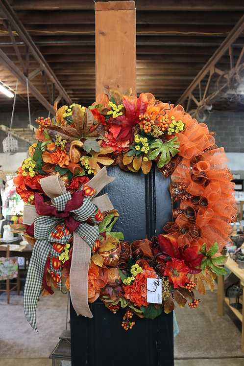 Extra Large geo mesh wreath w/gourds and leaves