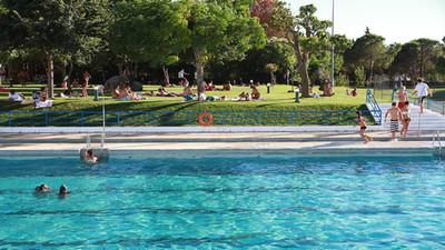 Visit to local swimming pool