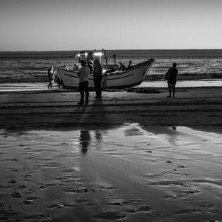 PESCA EN LA COSTA DE CAPARICA. PORTUGAL