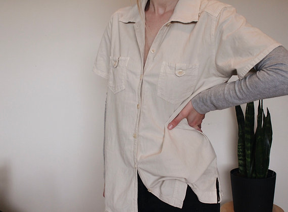 Short-sleeve button-down