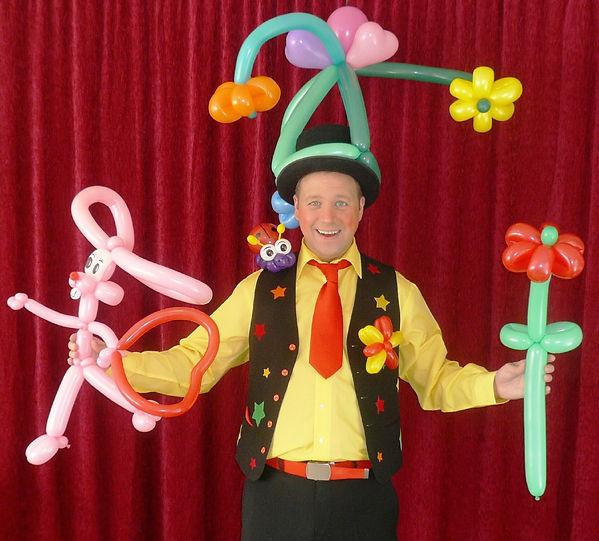 Zauberer Markus Poétes aus Köln - Tolle Luftballonfiguren für den Kindergeburtstag