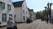 Dit zijn de witte huisjes van het witte stadje Thor in Nederlands Limburg