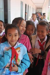 HELP teaches English to children