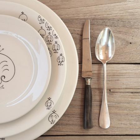 L'ŒILLET table service