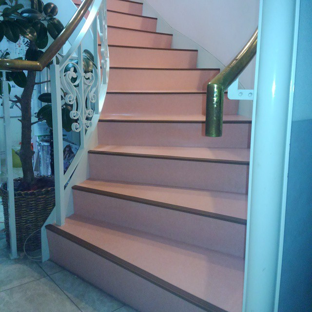 Instagram - 階段回り長尺シート貼り作業