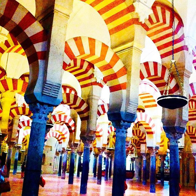 The beautiful red and white striped arches of La Mezquita