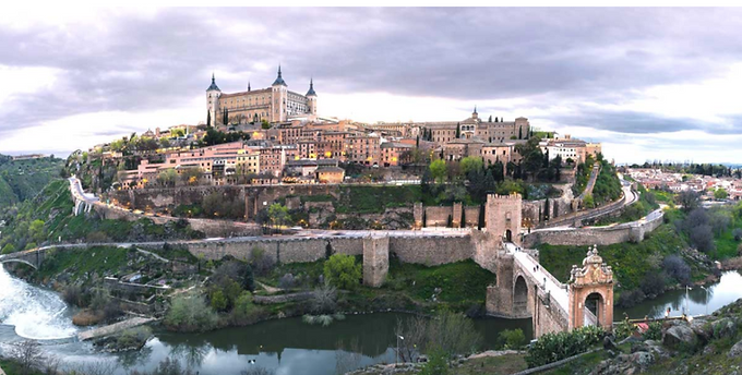Treading Toledo's 2000-year history: Mosques, Monasteries & Synagogues | When in Spain podcast Ep.64