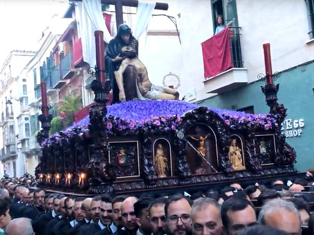 Semana Santa: Easter in Spain, processions, passion & pointy hats - Podcast episode 32