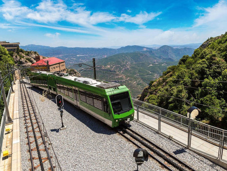 Loco for locos! Slow trains around Spain with travel writer Tom Chesshyre - When in Spain episode 97