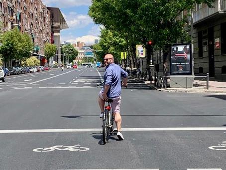Madrid secrets by bike - Masonic mysteries, an assassination, pelota & fishy streets - Episode 73