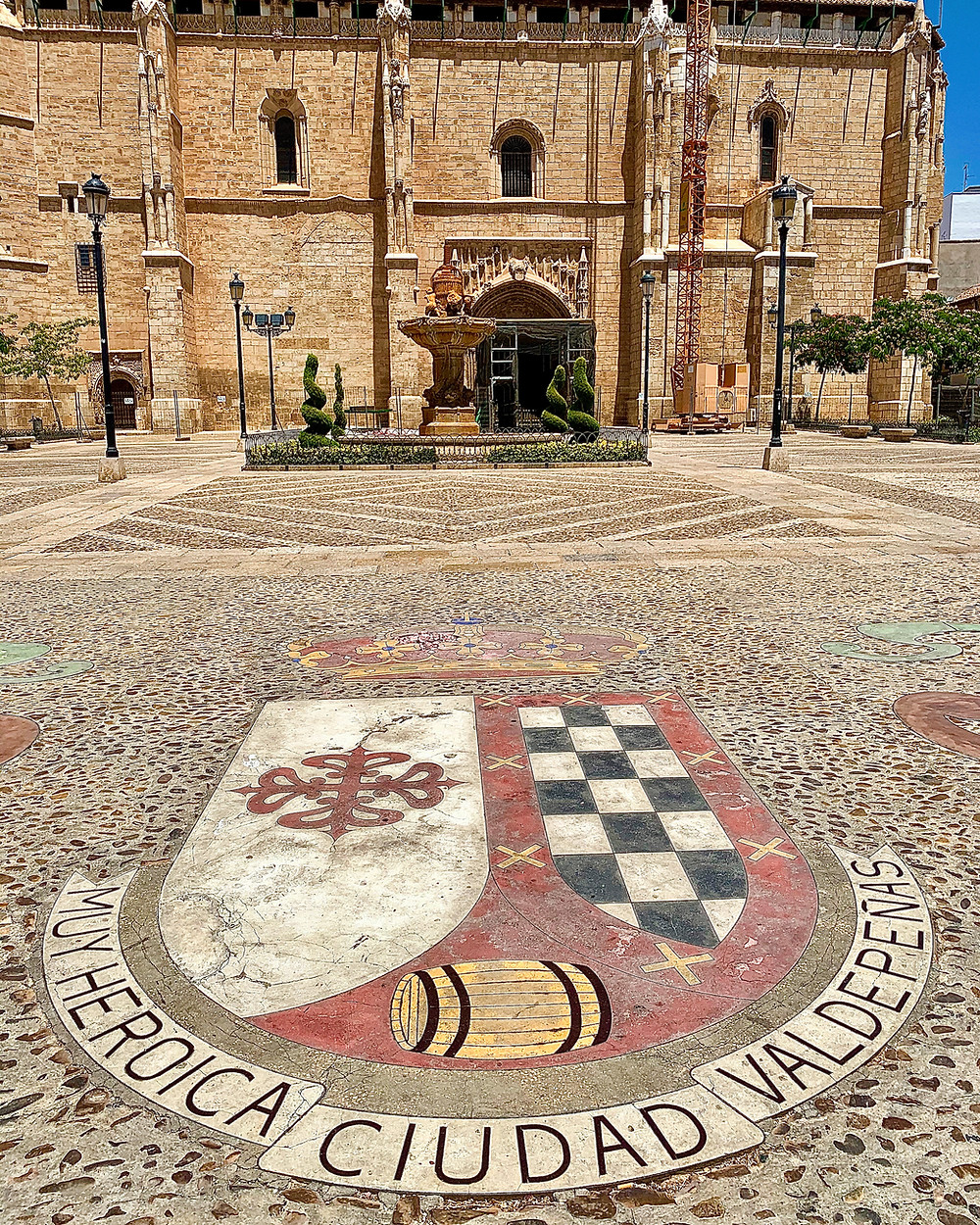 The shield of Valdepeñas in the town´s Plaza de España