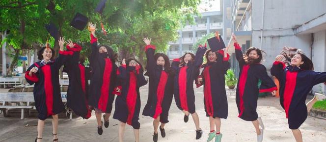 經歷了缺少儀式感的線上畢典,未來的畢業典禮可以「怎麼辦」?