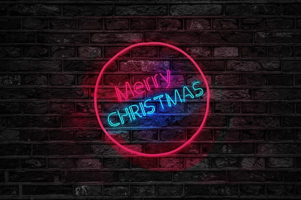 一年一度的聖誕節又將來臨,對許多人來說,這是一個非常值得慶祝的日子,同時也是眾家行銷/企劃/小編的緊張日子!許多業者將會在這一天舉辦各種大大小小的營銷活動,無不期望能吸引更多的潛在客戶,若您還未規劃完整個行銷活動,又或是想要再增加一些亮點的話,將建議透過三種不同的AR方案來協助整個活動計畫唷!