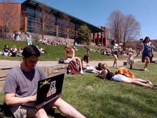 不知道要報考那一間大學?或許VR虛擬實境可以幫你一把!