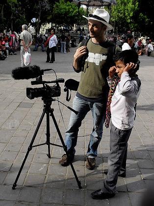 Mão en tournage dans les rues de Oaxaca_Mexique