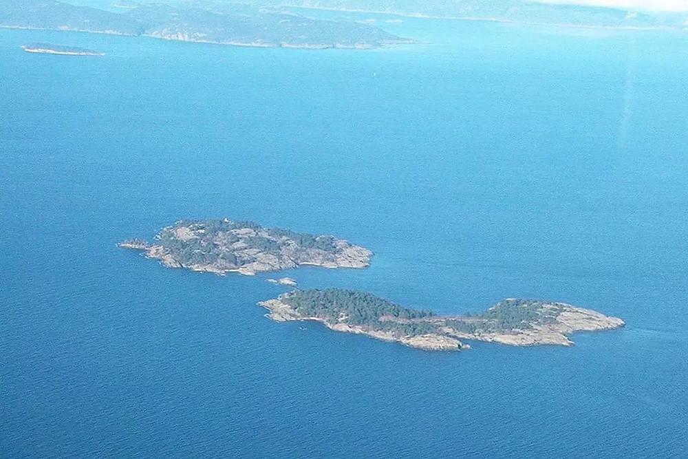 温哥华岛纳奈莫附近小岛在售
