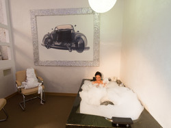Supee relax room with massage