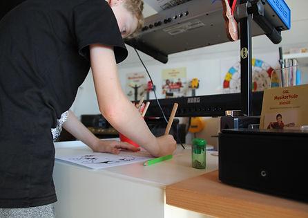 Musikunterricht für Jung und Alt in der Musikschule Niebüll - mehr als 20 Jahre Erfahrung beim Erlernen von Instrumenten.