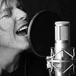 Professioneller Gesangsunterricht mit ausgezeichneten Dozenten in der Musikschule Niebüll. So kann die Gesangskarriere auch abseits der Dusche starten! Die Nr. 1 für Niebüll, Leck, Süderlügum und Risum-Lindholm.