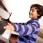 Klavierunterricht für Kinder an unseren top Instrumenten in der Musikschule Niebüll. Die Nr. 1 für Klavier in Niebüll, Leck, Risum-Lindholm und Süderlügum!