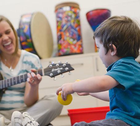 Musikalische Früherziehung für 3-5 Jährige in Niebüll. Spiel, Spaß, Musizieren, Singen und Tanzen für Kinder!