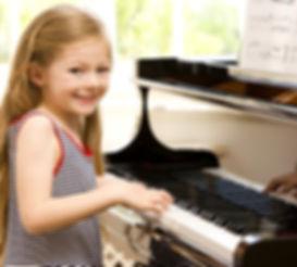 Der Musikunterricht zum Einstieg für Kinder und Erwachsene. Egal ob Gitarre, Klavier, Geige, Ukulele oder Bass - wähle Deine Instrumente und probiere sie aus.
