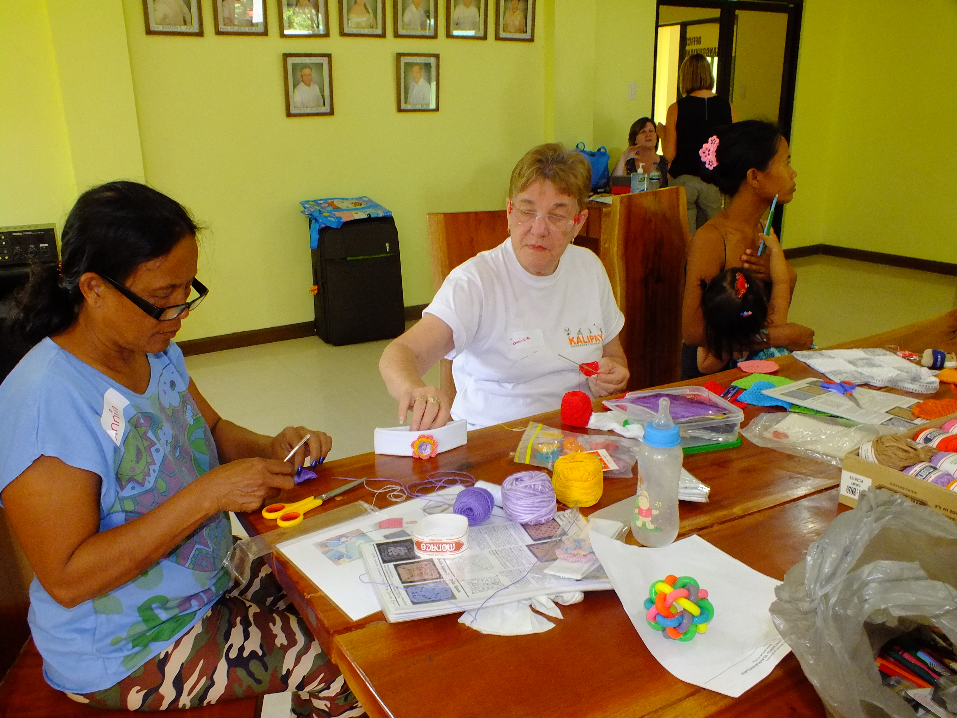 Volunteer craft educator in action