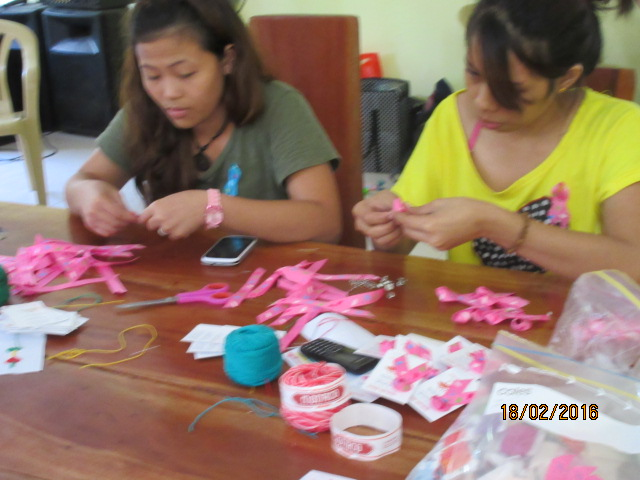 Making umbrella heart ribbons