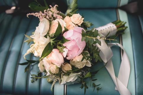 Tina & Bryce - flowers.jpg