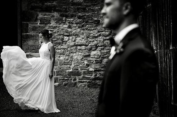 Taryn & Sean - twirlling with dress.jpg
