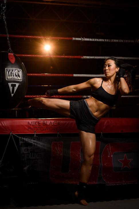 muay thai kick boxer