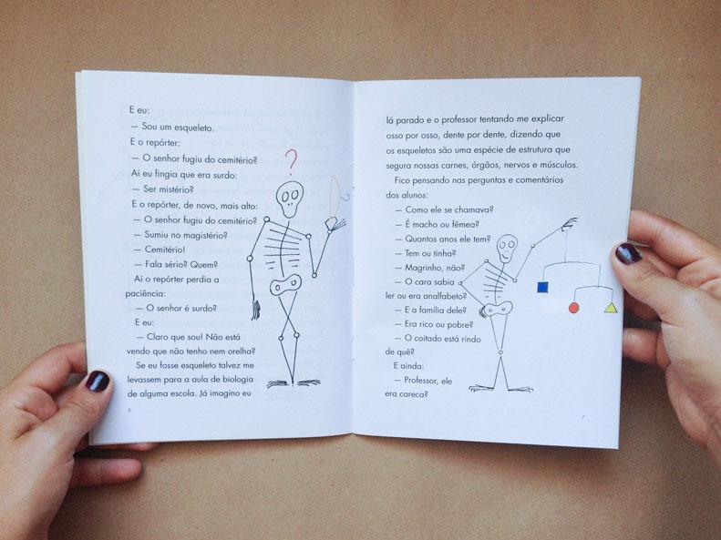 Livro Esqueleto, tomate e pulga