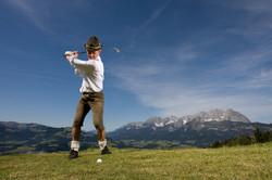 KAM_000833_Golfspiel-auf-der-Alm_Fotogra