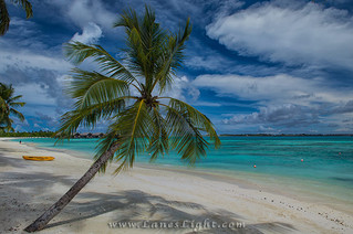 Maldives, Beach for the Rich and Famous
