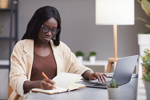successful-african-businesswoman-plannin