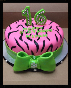 Sweet 16 Cake_edited_edited.jpg