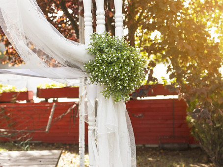 How to Prep for a Backyard Wedding?