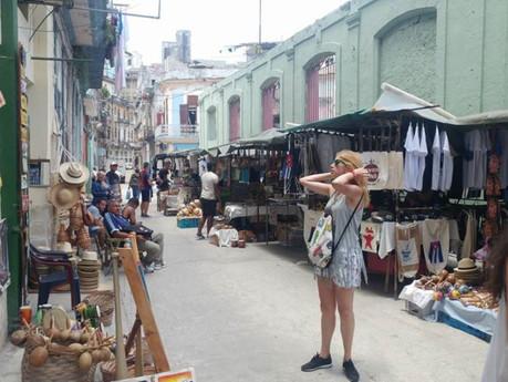 Crece descontento entre dueños de negocios y consumidores en Cuba