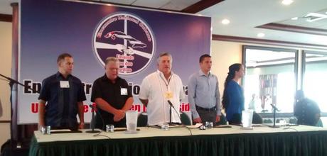 mesa presidencial primer-encuentro-nacional-cubano