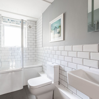 Simple and cost effective bathroom in a rental property