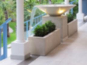 Hotel Cheval Blanc Isle de France fountain