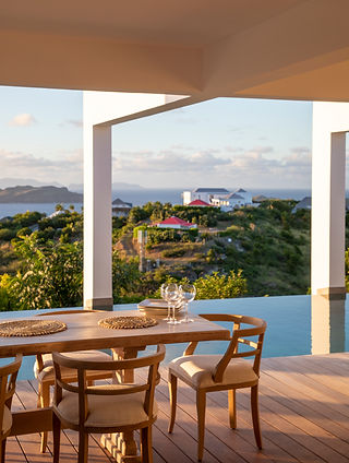 Private Residence St Barth's outdoor dining infinity pool