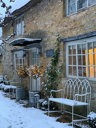Cotswolds Cottage bench snow