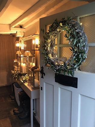 Cotswolds Cottage wreath front door entry hall lighting