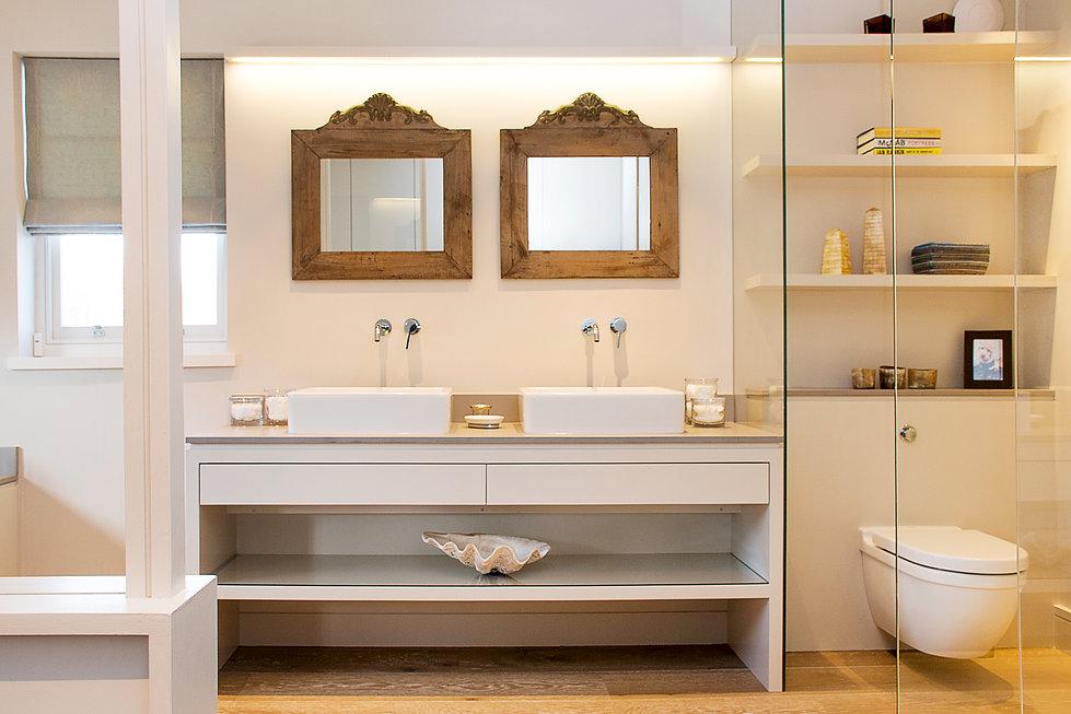 London Townhouse luxury bathroom