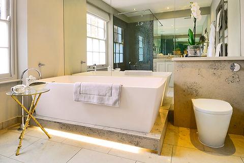 Chelsea Townhouse bathroom soaking bath luxurious