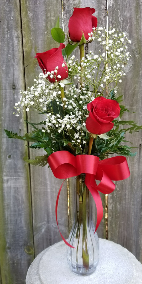 Classic Rose Vase With 3 Roses