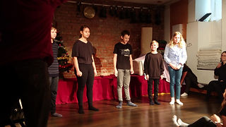 Improvised theatre group