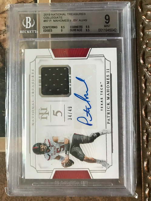 2019 PATRICK MAHOMES National Treasures Collegiate #87 AUTOGRAPHED BGS 9 & 10