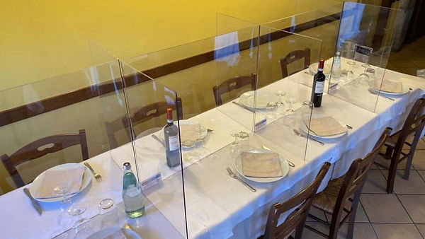 mesa con divisores.jpg
